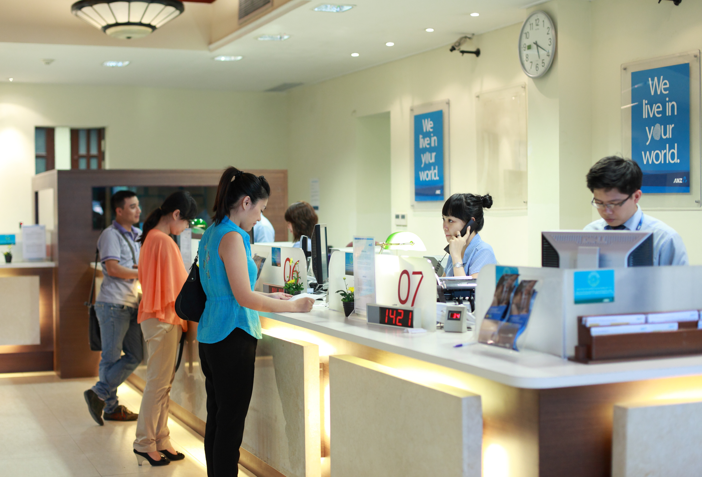Banking counter in hanoi 1